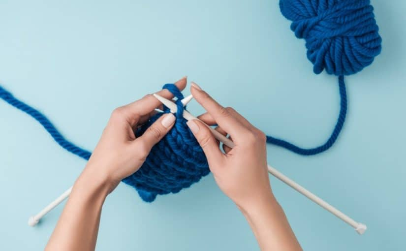 Elsker hun at strikke, så giv hende strikkeudstyr til jul